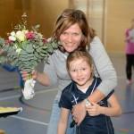 Hockey-Mom und Organisatorin Angi mit Tochter Lena