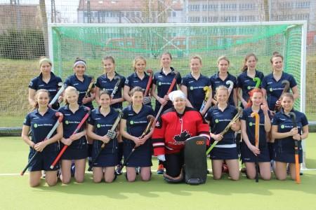 Alles im Griff: Die1.Damenmannschaft nimmt Aufstellung für die Nymphenburg Open 2015